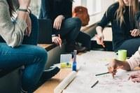 Dall'aula agli stage in azienda per avviare i giovani al mercato del lavoro